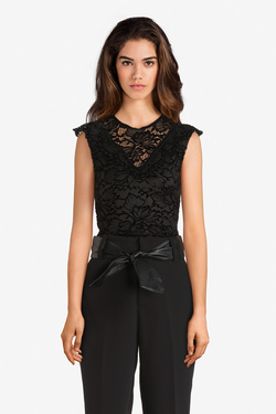 DOUDOUNEVESTE FEMME GUESS by Marciano EUR 149,00