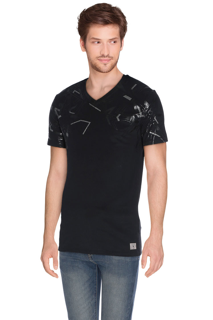 guess tee shirt m62i09 j1300 noir homme des marques et vous. Black Bedroom Furniture Sets. Home Design Ideas