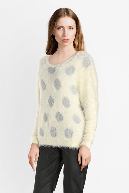 Pull maille poilue gros pois