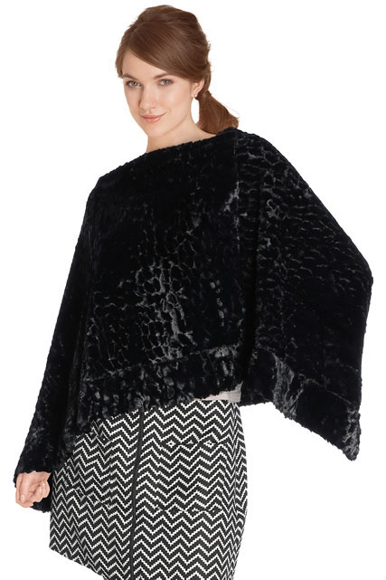 PONCHO EN FOURRURE SYNTHÉTIQUE MOLLY BRACKEN